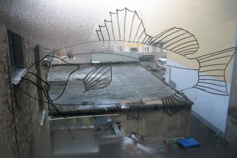 Fensterfisch_Marker auf Fensterglas_2008
